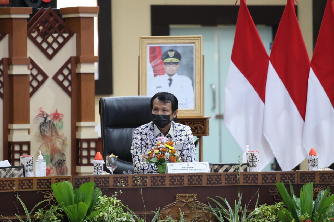 Gubernur H. Sugianto Sabran Bersama Bupati/Walikota Melakukan Penandatanganan Komitmen Bersama Program Pemberantasan Korupsi Terintegrasi Provinsi Kalteng