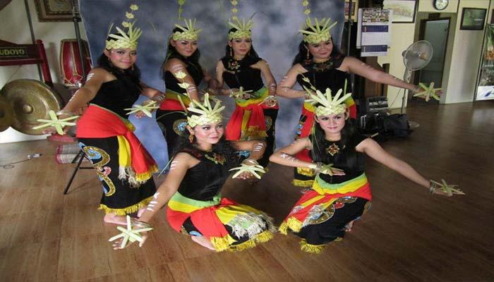 Tarian Tradisional Asal Kalimantan Tengah Multimedia Center Provinsi Kalimantan Tengah